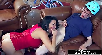 Sexiest Neighborhood MILF Veronica Avluv Fucking Jordi Who Can'_t Rail a Bike