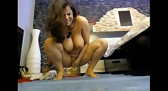 Hot Stepmom can really squirt like a pro