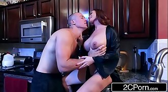 Cougar Diamond Foxxx Loves Big Young Cocks